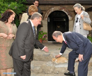 Ban Ki Moon meets with Felinestinian president, Mitzi Hatooli